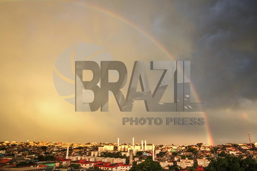 SAO PAULO, SP - 24.11.2018  - CLIMA-SP - Arco-íris é visto da região do Jardim Angela na zona sul de São Paulo no final da tarde deste sábado (24). <br /> <br /> (Foto: Fabricio Bomjardim / Brazil Photo Press)