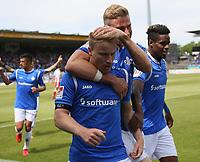 celebrate the goal, Torjubel zum 1:0 von Fabian Holland (SV Darmstadt 98) mit Tobias Kempe (SV Darmstadt 98), Dong Won Ji (SV Darmstadt 98), Felix Platte (SV Darmstadt 98) - 28.04.2018: SV Darmstadt 98 vs. 1. FC Union Berlin, Stadion am Boellenfalltor, 32. Spieltag 2. Bundesliga