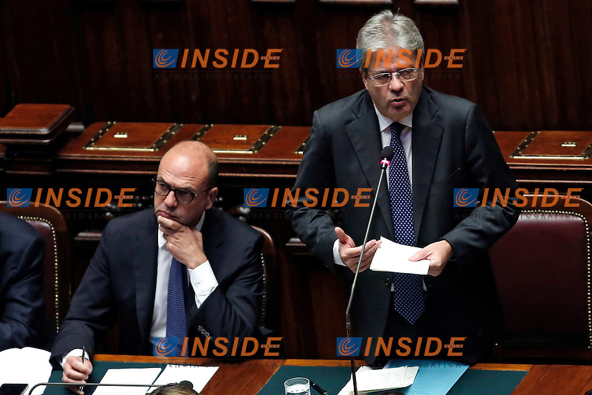 Angelino Alfano e Paolo Gentiloni<br /> Roma 13-12-2016.      Camera Voto di Fiducia al nuovo Governo<br /> Rome December 13th 2016. Chamber of Deputies. Trust vote to the new Government<br /> Foto Samantha Zucchi Insidefoto
