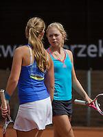 10-08-13, Netherlands, Rotterdam,  TV Victoria, Tennis, NJK 2013, National Junior Tennis Championships 2013,  Roos van der Zwaan and Inger van Dijkman(l)<br /> <br /> Photo: Henk Koster