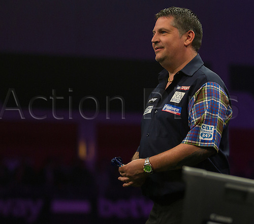31.03.2016. The Motorpoint Arena, Cardiff.  Betway PDC Premier League Darts Judgement Night. Gary Anderson during the match against James Wade