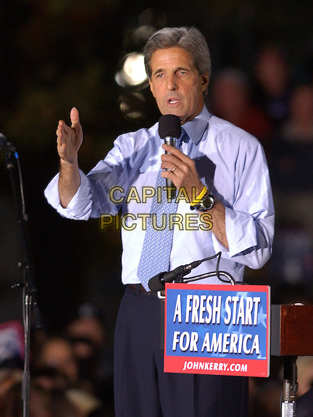 JOHN KERRY.Presidential Candidate, Senator JOHN KERRY, visits Carnegie Mellon University for a rally in Oakland,  Pittsburgh, PA, USA, October 20th 2004..half length hand gesture.**UK SALES ONLY**.Ref:ADM.www.capitalpictures.com.sales@capitalpictures.com.©JN/AdMedia/Capital Pictures .