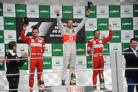 ATENCAO EDITOR: FOTO EMBARGADA PARA VEICULO INTERNACIONAL - SAO PAULO, SP 25 DE NOVEMBRO 2012 - FORMULA 1 GP BRASIL - (E/D) Os pilotos, Fernando Alonso, Jeson Button e Felipe Massa durante o Grande Premio do Brasil de Formula 1, no autodromo de Interlagos, zona sul da capital, neste domingo.FOTO: PIXATHLON - BRAZIL PHOTO PRESS