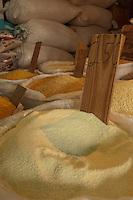 Farinha produzida por comunidades indígenas comercializadas na cidade.<br /> Boa Vista Roraima, Brasil.<br /> Foto Paulo Santos.