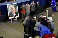 STRASBOURG, FRANCE - JULY 01: The coffin holding the remains of former German Chancellor Helmut Kohl draped by the European flag is carried to the memorial ceremony at the European Parliament on July 1, 2017 in Strasbourg, France. Kohl was chancellor of Germany for 16 years and led the country from the Cold War through to reunification. He died on June 16 at the age of 87<br /> Foto Elyxandro Cegarra / Panoramic / Insidefoto <br /> ITALY ONLY