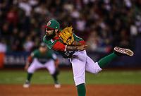Sergio Romo pitcher relevo de Mexico entra para sacar el ultimo out del sexto inning, durante el partido Mexico vs Venezuela, World Baseball Classic en estadio Charros de Jalisco en Guadalajara, Mexico. Marzo 12, 2017. (Photo: AP/Luis Gutierrez)