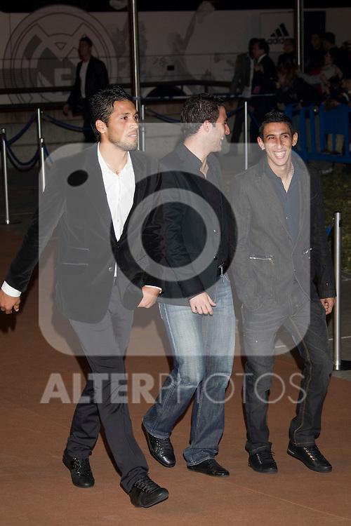 MADRID (04/11/2010).- Real Madrid Foundation held  its annual gala, Alma Awards 2010. Ezequiel Garay, Gonzalo Higuain and Angel Di Maria...Photo: Cesar Cebolla / ALFAQUI