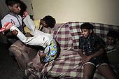 Bangalore 28.02.2009 India.Jyothi Seva, home and school for blind children. .photo Maciej Jeziorek/Napoimages..Bangalore 28.02.2009 Indie.Jyoti Seva dom i szkola dla niewidomych dzieci, zalozona i prowadzona przez Siostry Franciszkanki Sluzebnice Krzyza, zgromadzenie zakonne zalozone przez niewidoma siostre Elzbiete Czacka..nz. chlopcy w swoim pokoju po zajeciach.fot. Maciej Jeziorek/ Napoimages