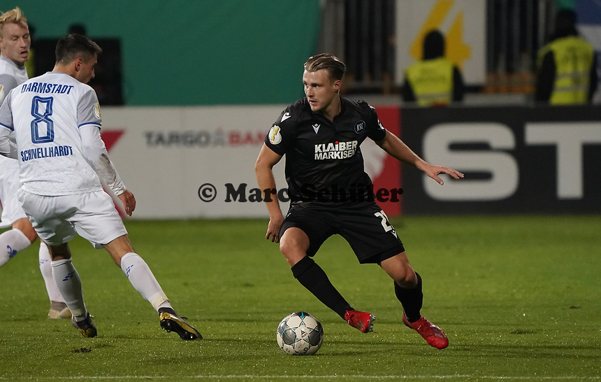 Marco Thiede (Karlsruher SC) - 29.10.2019: SV Darmstadt 98 vs. Karlsruher SC, Stadion am Boellenfalltor, 2. Runde DFB-Pokal<br /> DISCLAIMER: <br /> DFL regulations prohibit any use of photographs as image sequences and/or quasi-video.