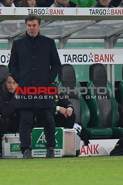 25.04.2017, Borussia-Park, Moenchengladbach, GER, DFB Pokal Halbfinale, Borussia Moenchengladbach vs Eintracht Frankfurt<br /> <br /> im Bild / picture shows: <br /> Dieter Hecking (Trainer Borussia Moenchengladbach),<br /> <br /> <br /> <br /> Foto &copy; nordphoto / Meuter