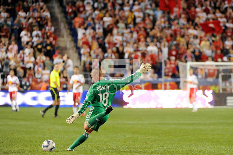 San Jose Earthquakes goalkeeper Jon Busch (18). The New York Red Bulls defeated the San Jose Earthquakes 2-0 during a Major League Soccer (MLS) match at Red Bull Arena in Harrison, NJ, on August 28, 2010.
