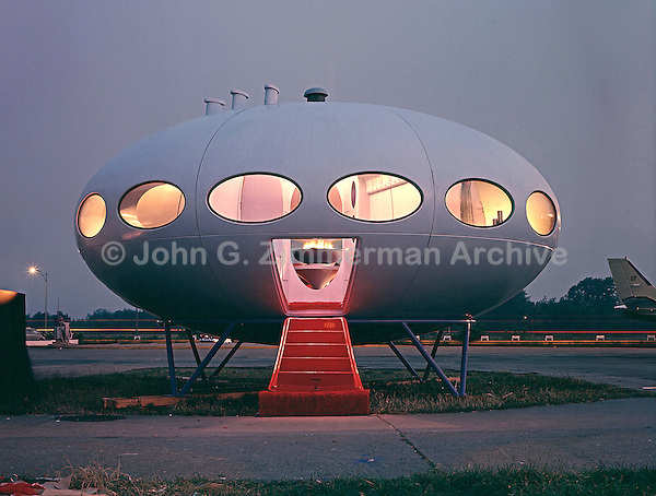 Futuro House, Philadelphia, 1969. Photo by John G. Zimmerman.