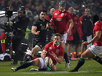 George North tries to control loose ball during the 2017 DHL Lions Series rugby union match between the NZ Maori and British & Irish Lions at Rotorua International Stadium in Rotorua, New Zealand on Saturday, 17 June 2017. Photo: Dave Lintott / lintottphoto.co.nz