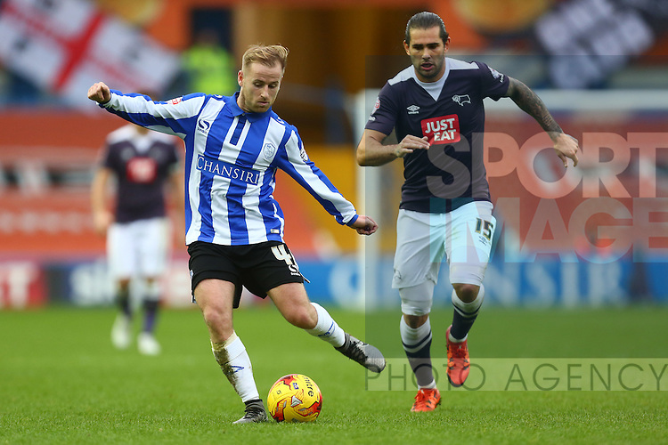 Bradley Johnson of Derby chases Wednesday's Barry Bannan - Sheffield Wednesday vs Derby County - Skybet Championship - Hillsborough - Sheffield - 06/12/2015 Pic Philip Oldham/SportImage