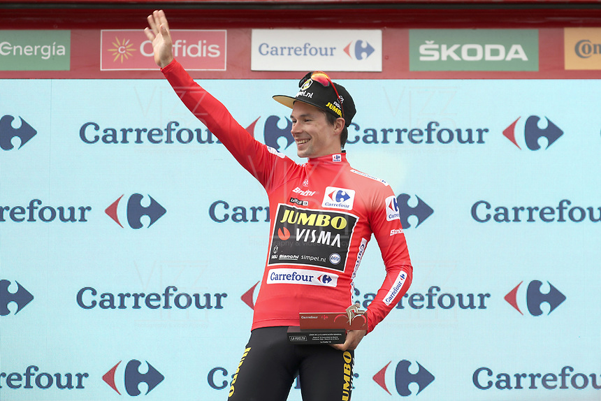 ESPAÑA, 12-09-2019: Primoz Roglic (SLO - YUMBO VISMA) celebra con el maillot rojo líder después de la etapa 18, hoy, 12 de septiembre de 2019, que se corrió entre Comunidad de Madrid. Colmenar Viejo y Becerril de la Sierra con una distancia de 177,5 km como parte de La Vuelta a España 2019 que se disputa entre el 24/08 y el 15/09/2019 en territorio español. / Primoz Roglic (SLO - YUMBO VISMA) celebrates with the red leader jersey after the stage 18 today, September 12, 2019, from Comunidad de Madrid. Colmenar Viejo to Becerril de la Sierra with a distance of 177,5 km as part of Tour of Spain 2019 which takes place between 08/24 and 09/15/2019 in Spain.  Photo: VizzorImage / Luis Angel Gomez / ASO<br /> VizzorImage PROVIDES THE ACCESS TO THIS PHOTOGRAPH ONLY AS A PRESS AND EDITORIAL SERVICE AND NOT IS THE OWNER OF COPYRIGHT; ANOTHER USE HAVE ADDITIONAL PERMITS AND IS  REPONSABILITY OF THE END USER