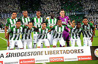 MEDELLÍN - COLOMBIA - 19-05-2016: Los jugadores de Atletico Nacional, posan para una foto, durante partido de vuelta entre Atletico Nacional de Colombia y Rosario Central de Argentina, partido de cuartos de final, de la Copa Bridgestone Libertadores 2016 jugado en el estadio Atanasio Girardot de la ciudad de Medellín. / The players of Atletico Nacional, pose for a photo during a match between Atletico Nacional of Colombia and Rosario Central of Argentina, for the second leg for de quarter of final, for the Copa Bridgestone  Libertadores 2016 at Atanasio Girardot in Medellin city / Photo: VizzorImage / Leon Monsalve / Cont.