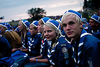 Finnish scouts in their traditional finnish scout hat preparing for the closing ceremony. Photo: Fredrik Sahlström/Scouterna