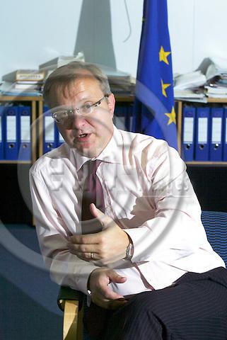 BRUSSELS - BELGIUM - 22 SEPTEMBER 2005 --Olli REHN, EU Commissioner responsible for enlargement.   PHOTO: ERIK LUNTANG / EUP-IMAGES..
