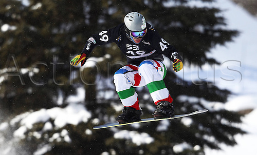 24.01.2013. Snowboarding FIS World Cup  SBX qualification day Stoneham,  Canada Snowboard Cross Qualification for men. Picture shows Omar Visintin ITA