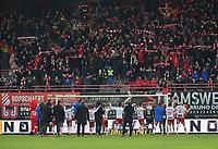 KVK KORTRIJK - SV ZULTE WAREGEM :<br /> spelers van KV Kortrijk vieren de zege tegen de aartsrivaal tesamen met de fans <br /> <br /> Foto VDB / Bart Vandenbroucke
