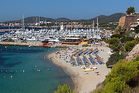 Spain, Mallorca, Portals Nous: View over beach and marina | Spanien, Mallorca, Portals Nous: Strand und Yachthafen