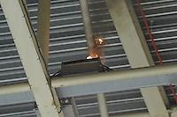 SCHAATSEN: HEERENVEEN: 19-10-2013, IJsstadion Thialf, Marathonschaatsen, Brandje in verdeelkast na kortsluiting tijdens damesmarathon, ©foto Martin de Jong