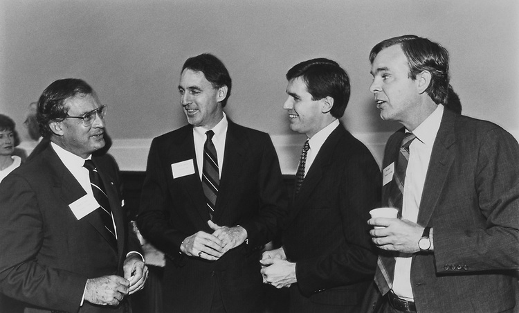Rep. Porter Goss, R-Fla., Rep. Cliff Stearns, R-Fla., Rep. Bill Paxon, R-N.Y., Rep. Peter Plympton Smith, R-Vt., new members orientation on Dec. 11, 1988. (Photo by Andrea Mohin/CQ Roll Call)