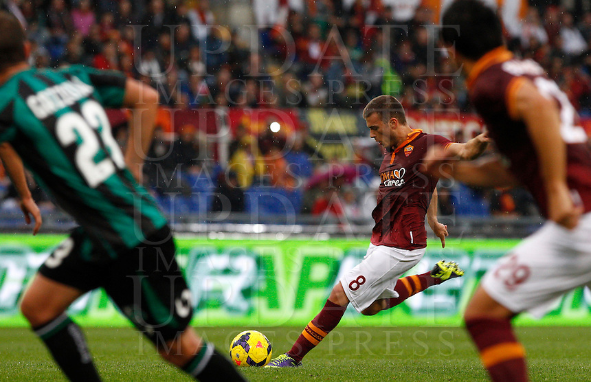 Calcio, Serie A: Roma vs Sassuolo. Roma, stadio Olimpico, 10 novembre 2013.<br /> AS Roma forward Adem Ljajic, of Serbia, kicks the ball during the Italian Serie A football match between AS Roma and Sassuolo at Rome's Olympic stadium, 10 November 2013. <br /> UPDATE IMAGES PRESS/Riccardo De Luca