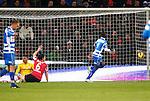 Nederland, Eindhoven, 18 januari 2013.Eredivisie.Seizoen 2012-2013.PSV-PEC Zwolle.Fred Benson (r.) van PEC Zwolle scoort de 0-1, Links appelleert Mark van Bommel (3e van links.) van PSV voor buitenspel.