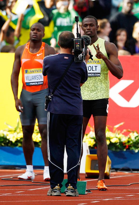 Photo: Richard Lane/Richard Lane Photography..Aviva London Grand Prix. 24/07/2009. Jamaica's Usain Bolt (rt) before a men's 100m heat.