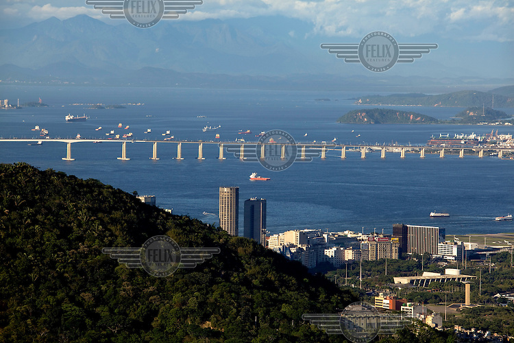 A view of the Rio-Niteroi Bridge (President Costa e Silva Bridge) from the Santa Marta viewpoint.