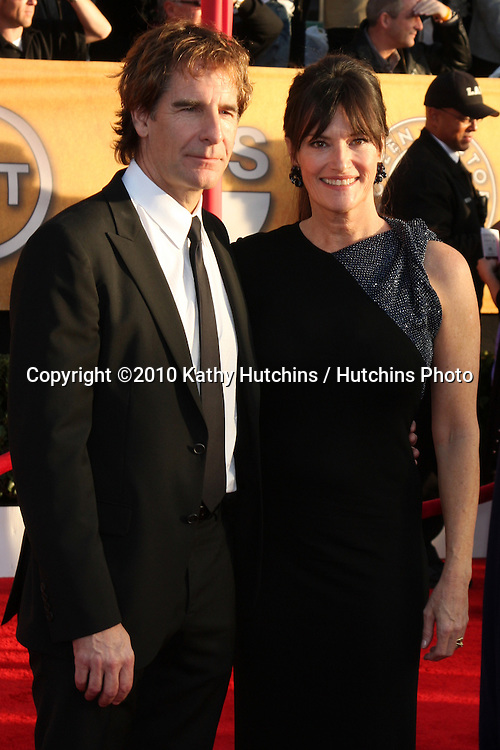 Scott Bakula & Wife.arriving at the 2010 Screen Actor's Guild Awards.Shrine Auditorium.Los Angeles, CA.January 23, 2010.©2010 Kathy Hutchins / Hutchins Photo....