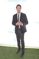 BEVERLY HILLS, CA - OCTOBER 7 : David Schwimmer, at The 2018 Rape Foundation Annual Brunch at Private Residence in Beverly Hills California on October 7, 2018. <br /> CAP/MPI/FS<br /> &copy;FS/MPI/Capital Pictures