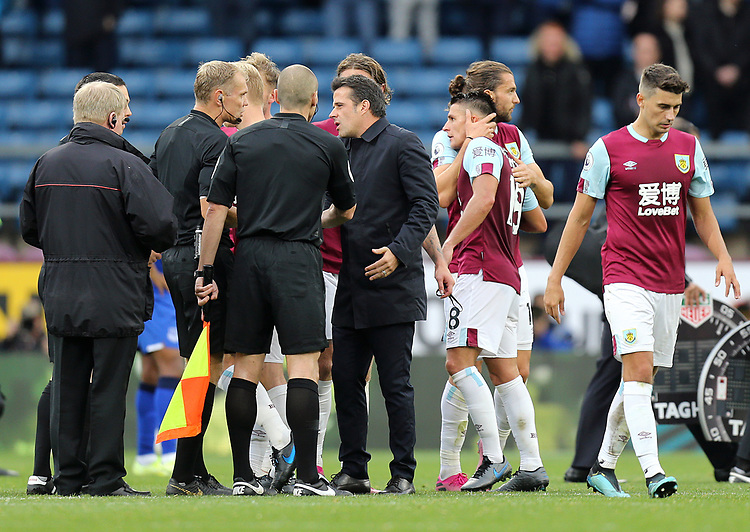 Everton manager Marco Silva has words with Referee Graham Scott at the final whistle<br /> <br /> Photographer Rich Linley/CameraSport<br /> <br /> The Premier League - Burnley v Everton - Saturday 5th October 2019 - Turf Moor - Burnley<br /> <br /> World Copyright © 2019 CameraSport. All rights reserved. 43 Linden Ave. Countesthorpe. Leicester. England. LE8 5PG - Tel: +44 (0) 116 277 4147 - admin@camerasport.com - www.camerasport.com