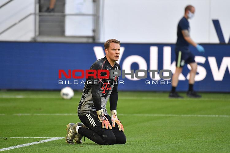 Torwart Manuel NEUER (M), warm up, <br /> <br /> Sport: Fussball: 1. Bundesliga: Saison 19/20: 34.Spieltag, <br /> VFL WOLFSBURG - FC BAYERN MUENCHEN <br /> am 27.06.2020 in der Volkswagen Arena Wolfsburg, <br /> <br /> Nur fuer journalistische Zwecke! <br /> Only for editorial use!<br /> Gemaess den Vorgaben der DFL Deutsche Fussball Liga ist es untersagt, in dem Stadion und/oder vom Spiel angefertigte Fotoaufnahmen in Form von Sequenzbildern und/oder videoaehnlichen Fotostrecken zu verwerten bzw. verwerten zu lassen. <br /> DFL regulations prohibit any use of photographs as image sequences and/or quasi-video.<br /> National and International News Agencies OUT<br /> NO RESALE!