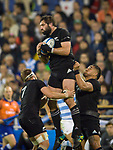 September 29, 2018. Jose Amalfitani, Buenos Aires, Argentina. Luke Whitelock get the ball on the highs.