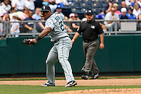 Seattle third baseman Adrian Beltre makes a throw to first in the fourth inning against the Royals at Kauffman Stadium in Kansas City, Missouri on May 27, 2007.  The Mariners won 7-4.