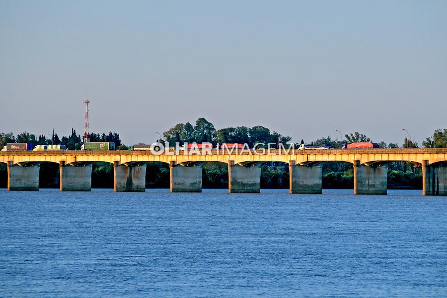 Ponte sobre o rio Uruguai em Uruguaiana. Rio Grande do Sul. 2009. Foto de Zig Koch.