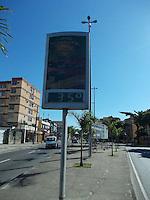RIO DE JANEIR0(RJ) 30.05.2012. TEMPERATURA / CLIMA - NESTA QUARTA-FEIRA DIA (30),UM RELÓGIO DIGTAL NA AVENIDA DOM HELTER CAMARA NO BAIRRO DE PIEDADE,ZONA NORTE DO RIO DE JANEIRO.MARCA 35 GRAUS. FOTO:ARION MARINHO/BRAZIL PHOTO PRESS