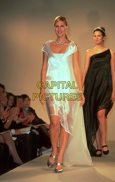 JULLIENNE DAVIS.Modelling at the Bond Street Association Fashion & Fine Jewellery Event, London, England, 30th September 1999..full length dress on the runway catwalk.CAP/JM.©James McCauley/Capital Pictures