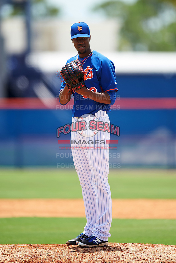 GCL Mets relief pitcher Ronald Sanchez (30) during a game against the GCL Marlins on August 12, 2016 at St. Lucie Sports Complex in St. Lucie, Florida.  GCL Marlins defeated GCL Mets 8-1.  (Mike Janes/Four Seam Images)