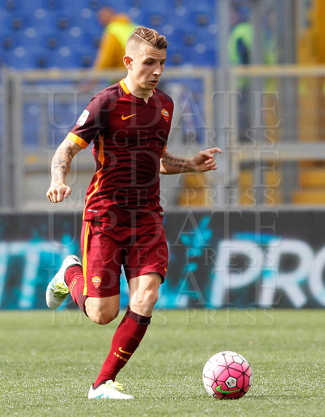 Calcio, Serie A: Lazio vs Roma. Roma, stadio Olimpico, 3 aprile 2016.<br /> Roma&rsquo;s Lucas Digne during the Italian Serie A football match between Lazio and Roma at Rome's Olympic stadium, 3 April 2016.<br /> UPDATE IMAGES PRESS/Riccardo De Luca