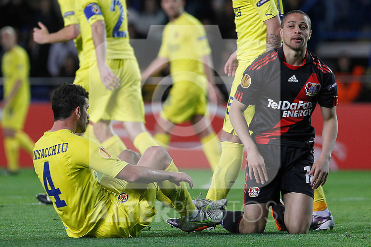 Villareal's Mateo Musacchio (l) and Bayer 04 Leverkusen's Sidney Sam during UEFA Europa League match.March 17,2011. (ALTERPHOTOS/Acero)