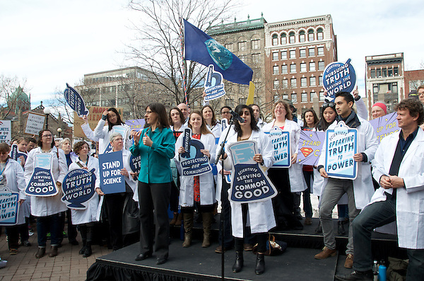 Maryam Zaringhalem, Ph.D, Molecular Biologist at Rockefeller University,host of Science Soapbox Podcast speaking at Stand up for Science Rally at Copley Square Boston 2.19.17