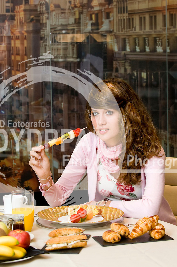 18/10/2010. Madrid. Spain The spanish actress Nerea Camacho. famous for film´Camino´. having a breakfast. (c) Eduardo Dieguez/ DyD Fotografos