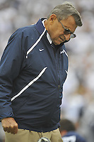 04 September 2010:  Penn State coach Joe Paterno talks to his players during warm ups.  The Penn State Nittany Lions vs. the Youngstown State Penguins at Beaver Stadium in State College, PA..