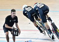 CALI – COLOMBIA – 17-02-2017: Equipo de Nueva Zelanda en la prueba Persecucion por equipos Varones en el Velodromo Alcides Nieto Patiño, sede de la III Valida de la Copa Mundo UCI de Pista de Cali 2017. / New Zealand Team in the Men Team Pursuit Race at the Alcides Nieto Patiño Velodrome, home of the III Valid of the World Cup UCI de Cali Track 2017. Photo: VizzorImage / Luis Ramirez / Staff.
