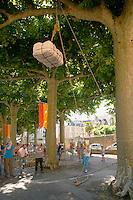 Festival de la langue occitane (une année sur deux) autour de la langue, des jeux et de la musique, place de la Grande Rigaudi.<br /> Lever de balle, avec catégorie homme, femme et enfants, pas de jaloux.