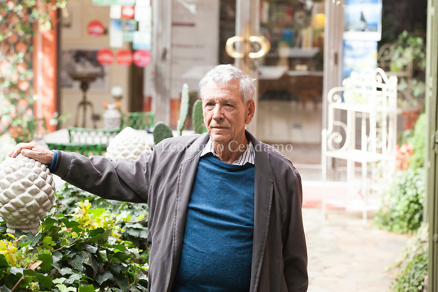 Amos Oz is an Israeli writer, novelist, journalist and intellectual. He is also a professor of literature at Ben-Gurion University in Beersheba. Amos Oz, nato Amos Klausner è uno scrittore e saggista israeliano. Oltre ad essere autore di romanzi e saggi, Oz è giornalista e docente di letteratura alla Università Ben Gurion del Negev, a Be'er Sheva. Bottari Lattes Grinzane La Quercia Prize ottobre 2016. © Leonardo Cendamo