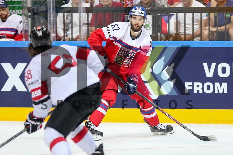 Tschechiens Vondrka, Michal (Nr.82)(Sparta Prague) im Spiel IIHF WC15 Tschechien vs. Schweiz.<br /> <br /> Foto &copy; P-I-X.org *** Foto ist honorarpflichtig! *** Auf Anfrage in hoeherer Qualitaet/Aufloesung. Belegexemplar erbeten. Veroeffentlichung ausschliesslich fuer journalistisch-publizistische Zwecke. For editorial use only.